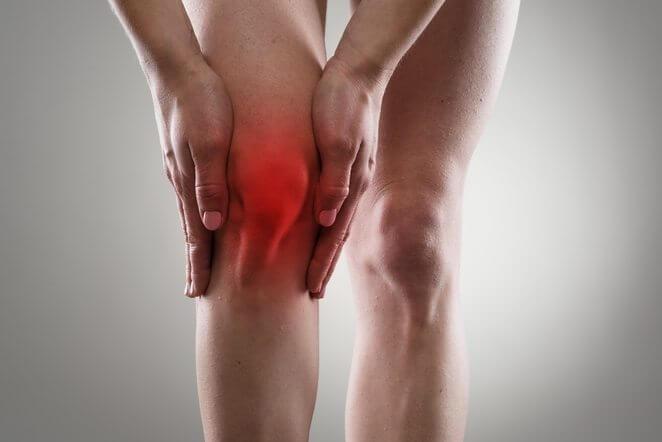 Какой врач лечит боль в колене